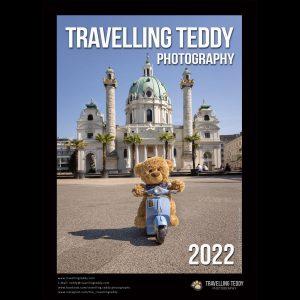 Bezaubernder Wand-Kalender Travelling Teddy 2022